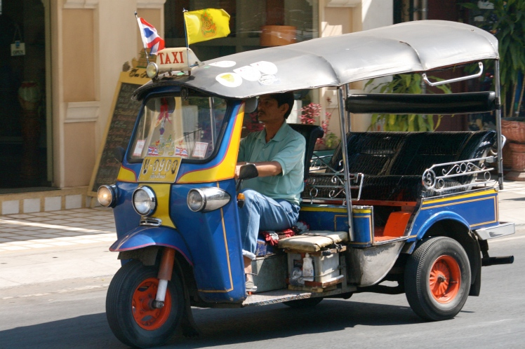 Tuktuk_at_Tha_Phae_Road
